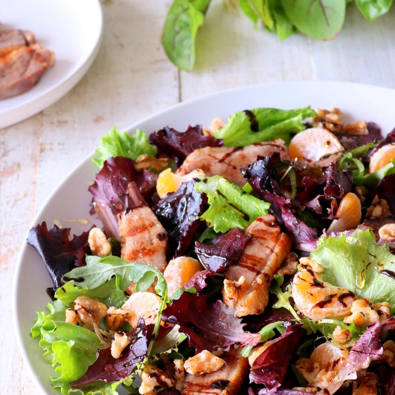 Salada de Pato com Tangerina, Nozes e Vinagre Balsâmico